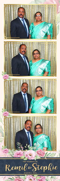 Alsolutely Fabulous Photo Booth 021637.jpg