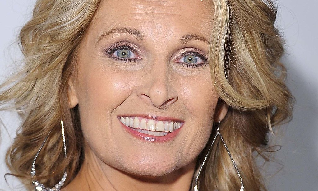 . Country singer Linda Davis is 53. (Getty Images: Michael Loccisano)