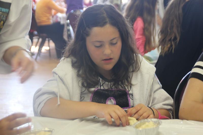 kars4kids_thezone_camp_girlsDivsion_activities_baking (48).JPG