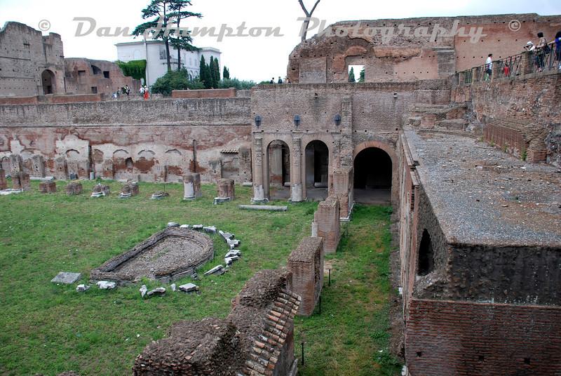 Colosseum (12).jpg