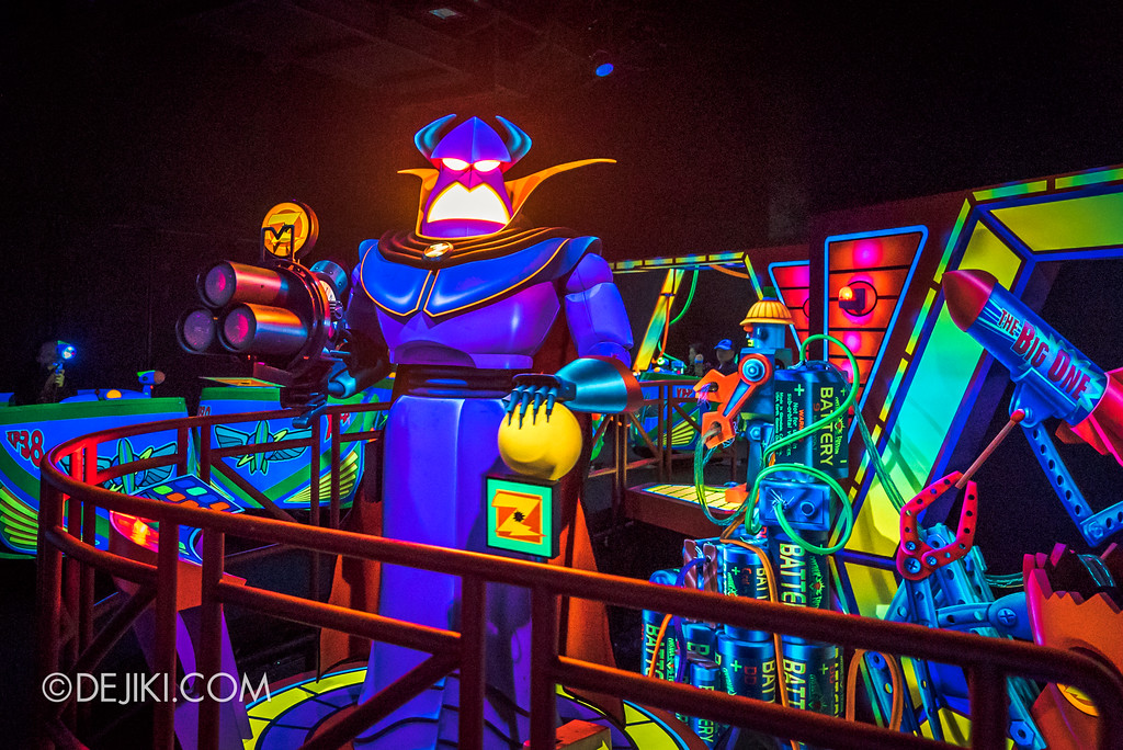 Hong Kong Disneyland Buzz Lightyear Astro Blasters Last Mission - Emperor Zurg's Lair