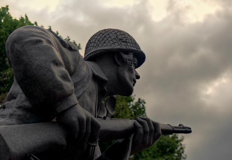 ephratagram 2015 - dick winters statue close up(p).jpg