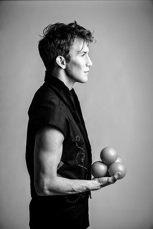 Juggler Aaron