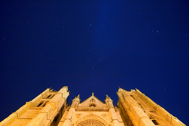 Cathedral facade by night, town of Leon, autonomous community of Castilla y Leon, northern Spain