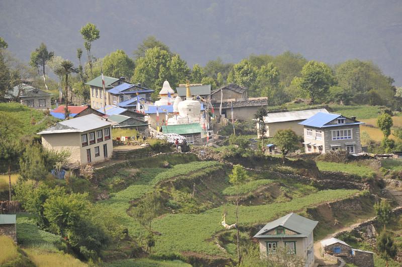 080516 2472 Nepal - Everest Region - 7 days 120 kms trek to 5000 meters _E _I ~R ~L.JPG