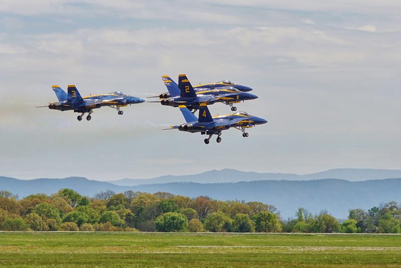 DSC02546-blue angel take off.jpg