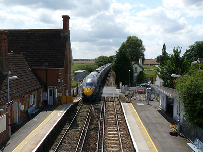 Hastings DEMU at New Malden & High Speed into Kent (08-08-2010)