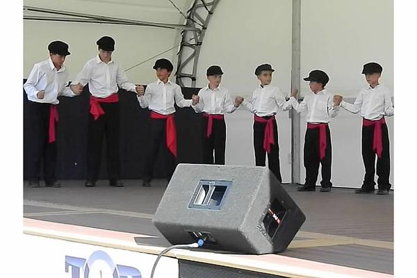2012-08-19-HT-Greek-Dancers-in-Weirton_004.jpg