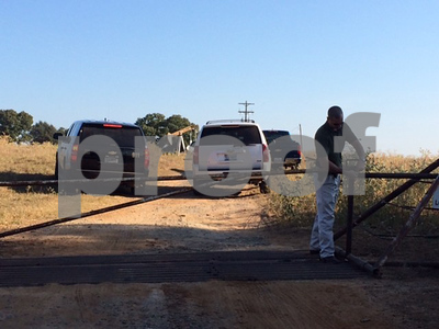 authorities-investigating-body-found-in-smith-county