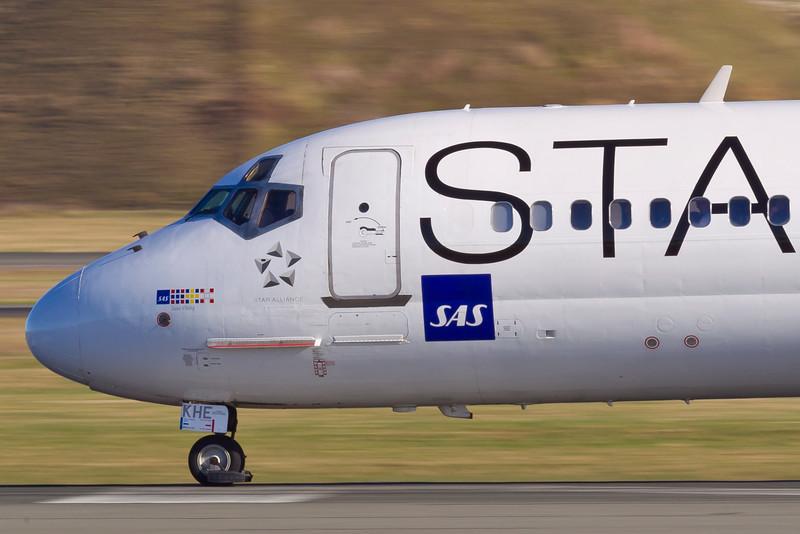 OY-KHE-MD-82-SAS-CPH-EKCH-2011-04-09-_O7F6745-DanishAviationPhoto.jpg