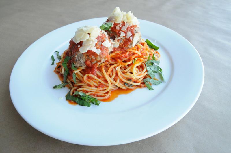 tomatotomato_stamford_classic spaghetti and meatballs.JPG