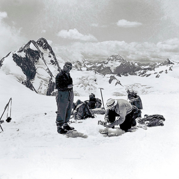 1952 lunch at Tasman Saddle under Mt Graceful with Fr Doherty, John Mcwilliams (lighting billy) and Bill Toomey 2.jpg