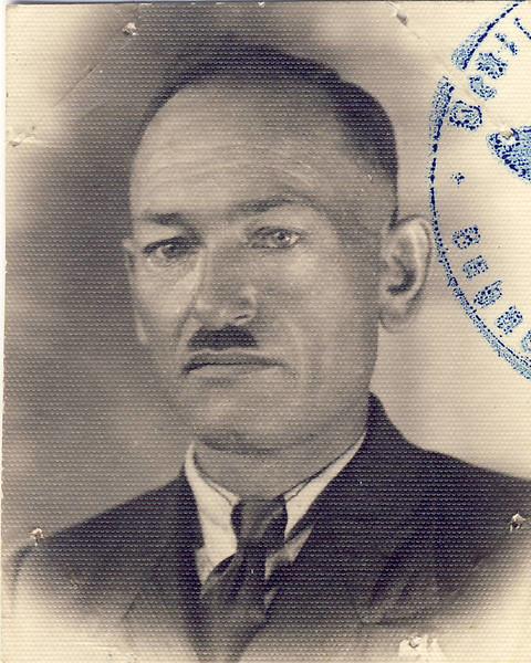 008 Opa Ludwig Pidt letztes Passbild 1944.JPG