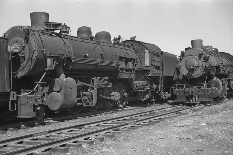 UP_2-8-2_2564_Pocatello-dead-line_Aug-25-1949_Emil-Albrecht-photo-0293-rescan.jpg