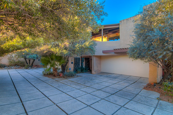 For Sale 586 N. Country Club Rd., Tucson, AZ 85716