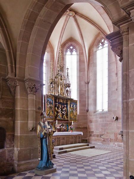 Heilsbronn, Münster: Blick von Norden in Ostchor mit Hochalatar