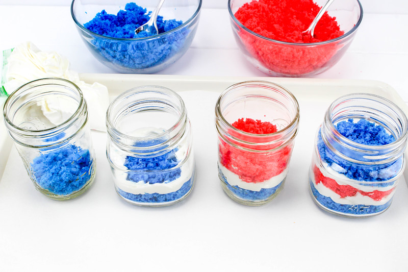 4th of July Cake in a Jar 2.jpg