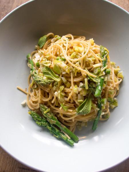 asparagus pasta on barrel 4.jpg