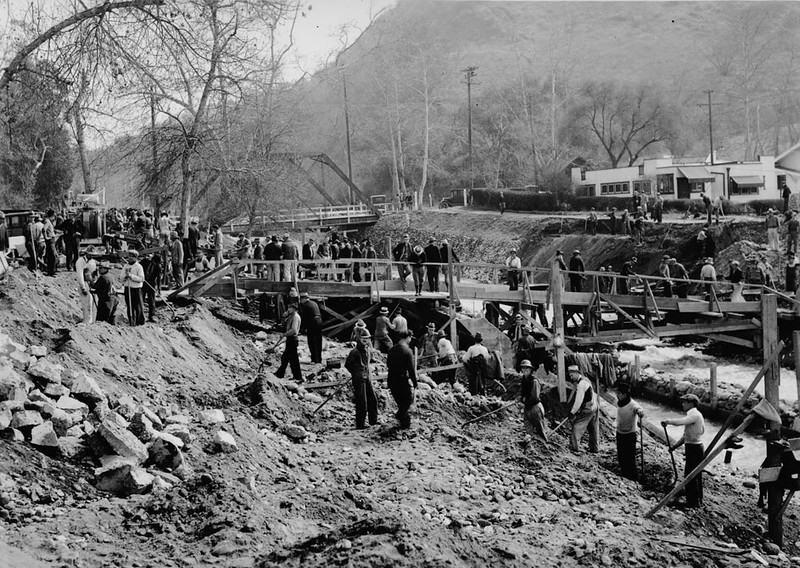 Excavation of the Arroyo Seco near Ave 52