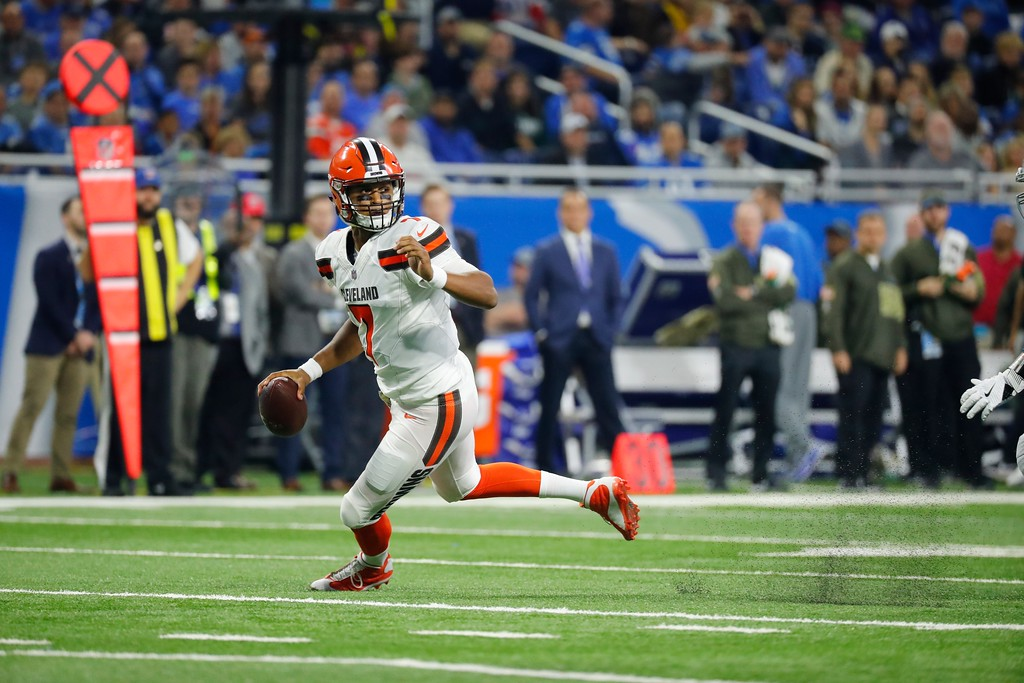 . Cleveland Browns quarterback DeShone Kizer (7) scrambles during the first half of an NFL football game against the Detroit Lions, Sunday, Nov. 12, 2017, in Detroit. (AP Photo/Rick Osentoski)