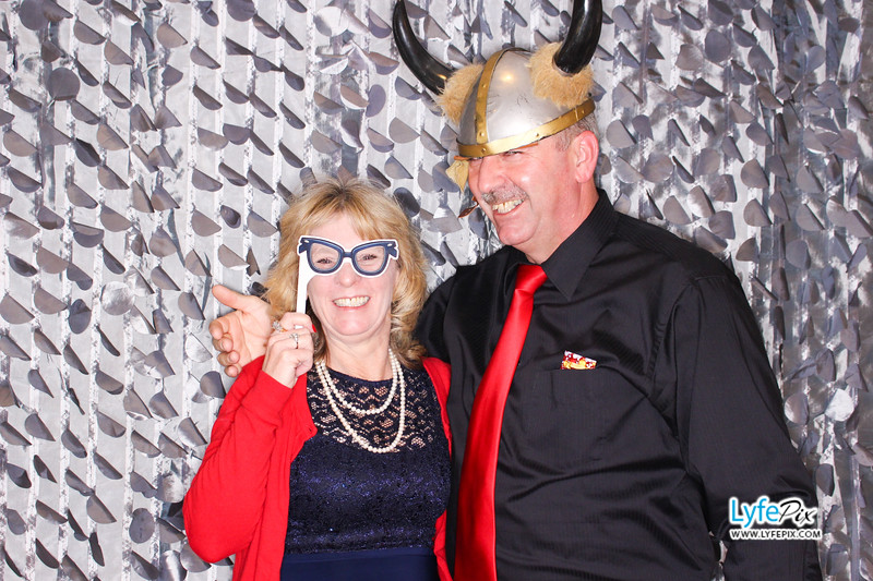 red-hawk-2017-holiday-party-beltsville-maryland-sheraton-photo-booth-0152.jpg