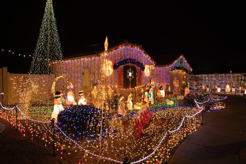 Phoenix Adobe Highlands Neighborhood Lights December 24, 2018  22.jpg