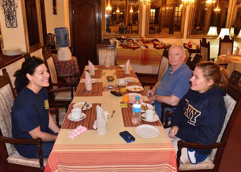BOV_1093-7x5-Breakfast at Hotel Aranjuez.jpg