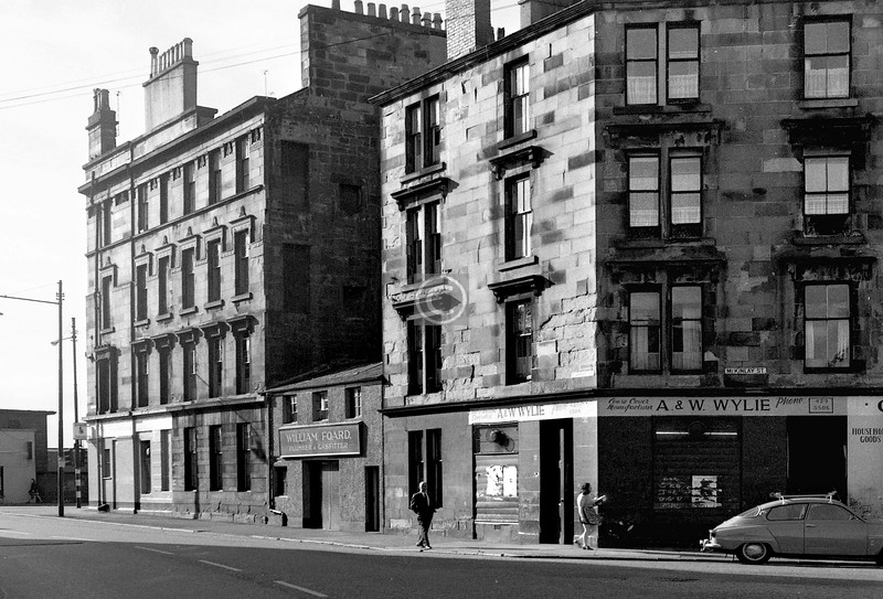 Turriff St and McKinlay St,   with the south end of Queen's Park Terrace.    August 1973
