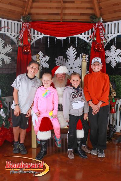 Santa 12-10-16-100.jpg