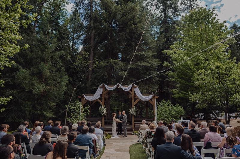 2018-05-12_ROEDER_JulieSeth_Wedding_DUSTIN1_0064.jpg