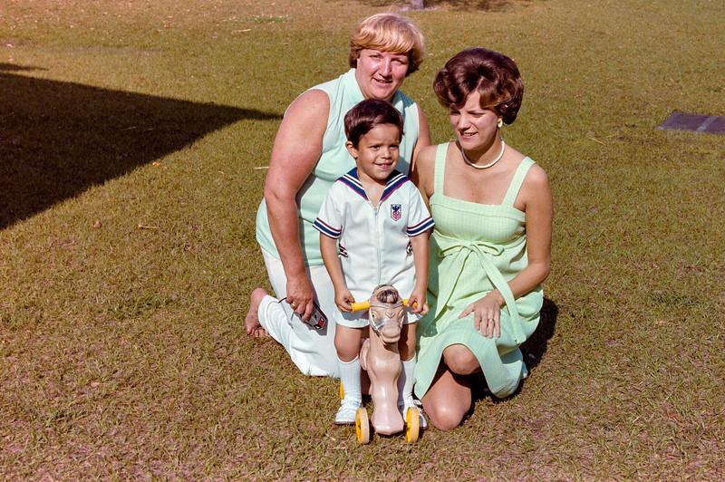 1978-3-26 #6 Easter Aunt Ceil.jpg