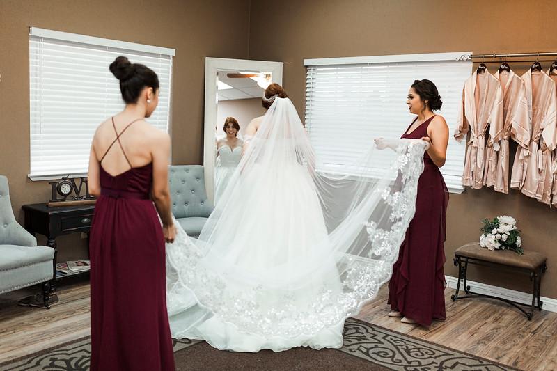 Alexandria Vail Photography Wedgewood Fresno Wedding Alexis   Dezmen320.jpg
