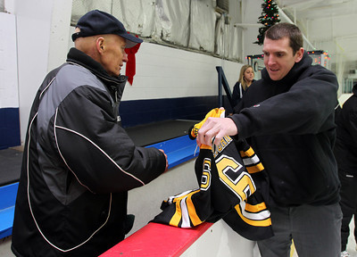 Boston Bruins Assistant Coach Doug Houda Visits Beverly High Hockey