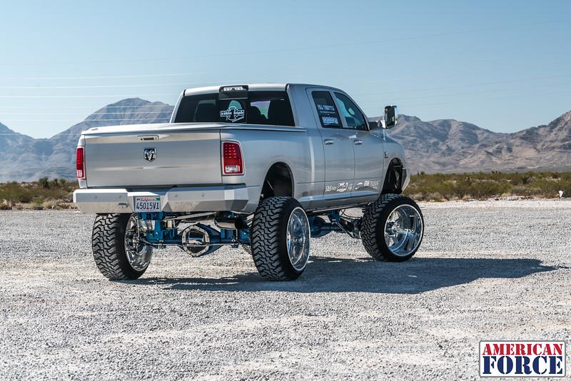Ridin'-High-Silver-Dodge-Ram-161105-DSC02812-39.jpg