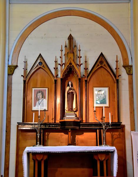 2016 P Varas Church St Theresa de Avila side altar.jpg