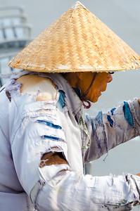 Vietnamese street musician