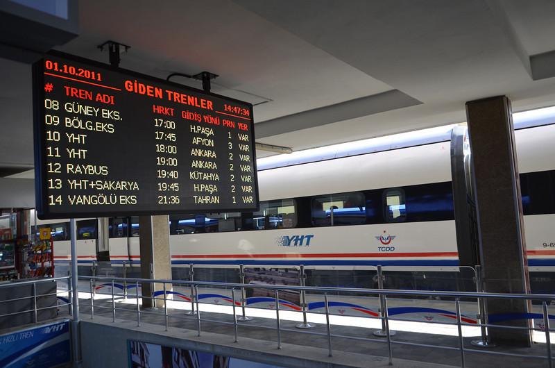 DSC_1047-departure-board.JPG