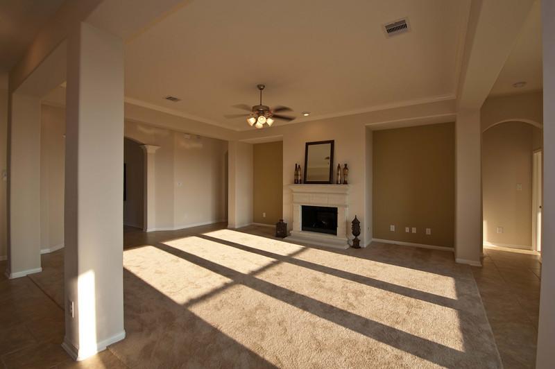 Living Area 15x22