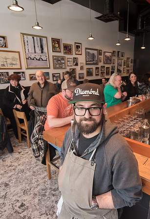 150320 Winnipeg - DAVID LIPNOWSKI / WINNIPEG FREE PRESS  Sherbrook Street Delicatessen Proprietor Jon Hochman at his restaurant Friday March 20, 2015.