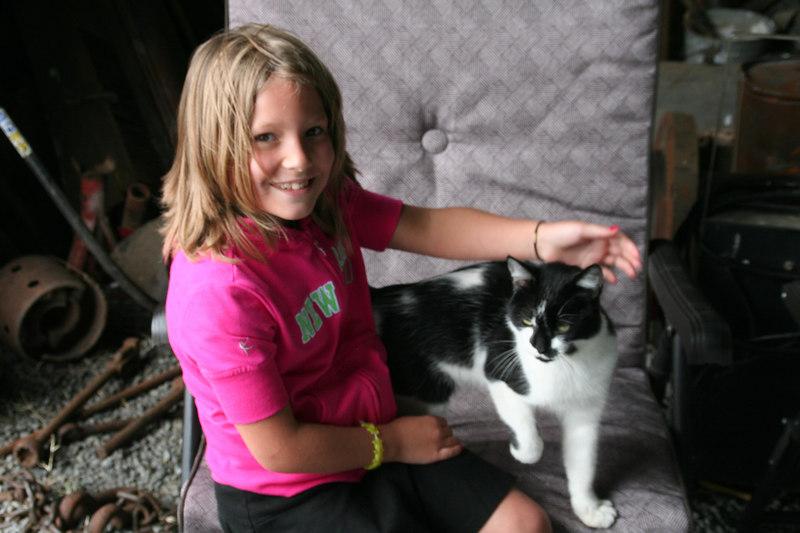 Lauren Eager - Daughter of Jeff Eager - Jeff is eldest child of Carolyn Sue Redding