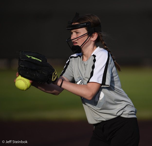 Softball - 2019-05-13 - ELL White Sox vs Sammamish (43 of 61).jpg