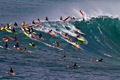 Surfing Hawaii - Waimea Bay - 5134k x 3400k @ 300 DPI