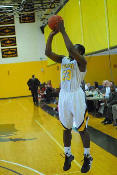 20090301_MCC Basketball_5662.JPG