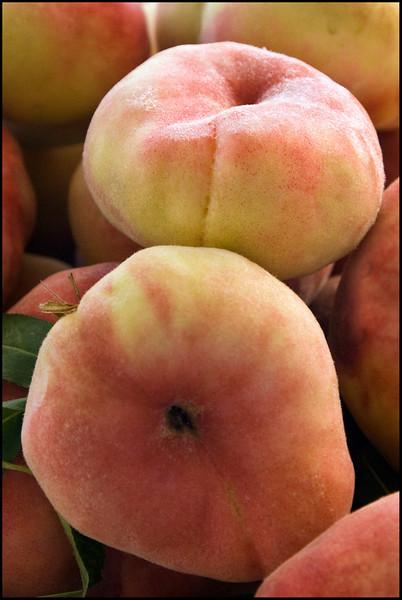 donut_peach.jpg