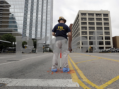 dallas-police-end-search-of-parking-garage-near-headquarters-for-suspicious-person