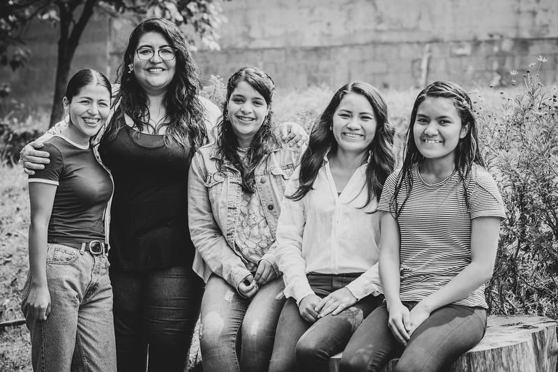 Julia y sus hijas-2.jpg