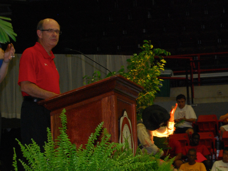 Dr. Bonner makes an opening speech to the freshmen and their families.