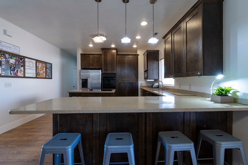 kitchen bar area.jpg