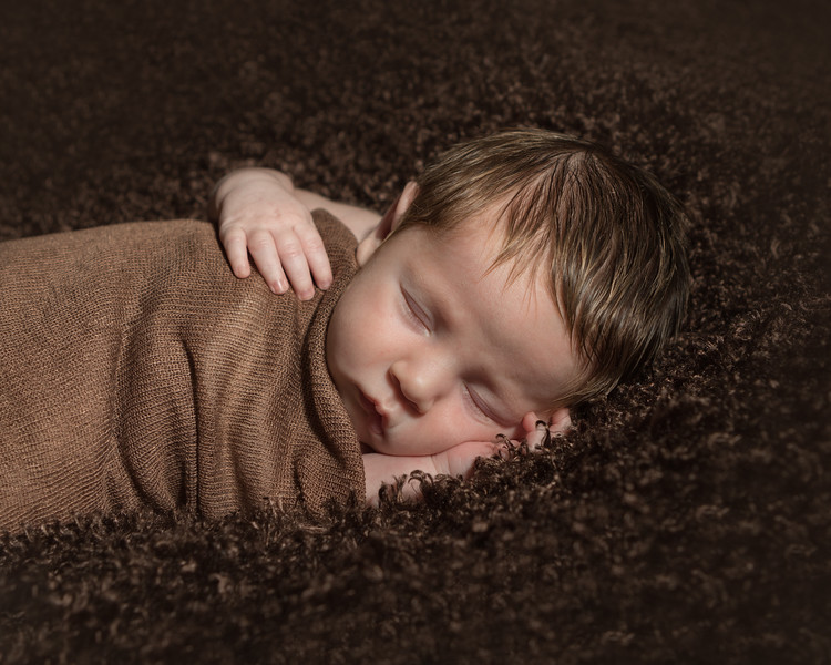 Benson newborn session-8.jpg