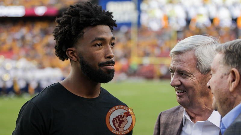 Former Virginia Tech and current Washington Redskins cornerback Kendall Fuller speaks with Frank Beamer and Don Nehlen before the game. (Mark Umansky/TheKeyPlay.com)